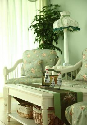 绿色清新田园风格客厅沙发图片欣赏