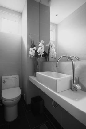 2016宜家风格白色卫生间装修效果图