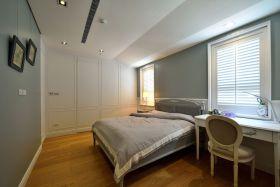 白色简欧风格卧室设计图片