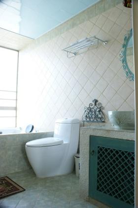 浪漫清新风格蓝色简欧卫生间设计