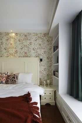 浪漫自然白色田园碎花卧室装潢案例