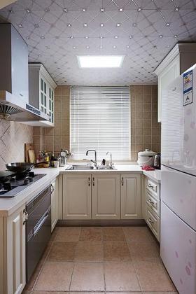米色美式大气厨房橱柜设计