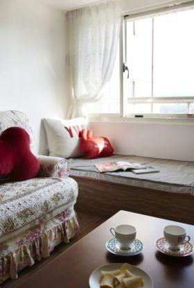 白色田园风格飘窗装潢设计