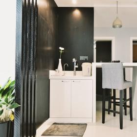 优雅休闲现代白色鞋柜设计图片