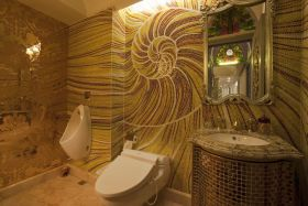 黄色东南亚风格卫生间墙面装修图片