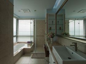 美式白色卫生间图片赏析