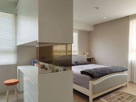 白色美式卧室隔断装修效果图