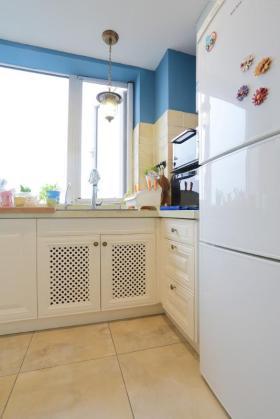 蓝色地中海风格厨房橱柜装修图片