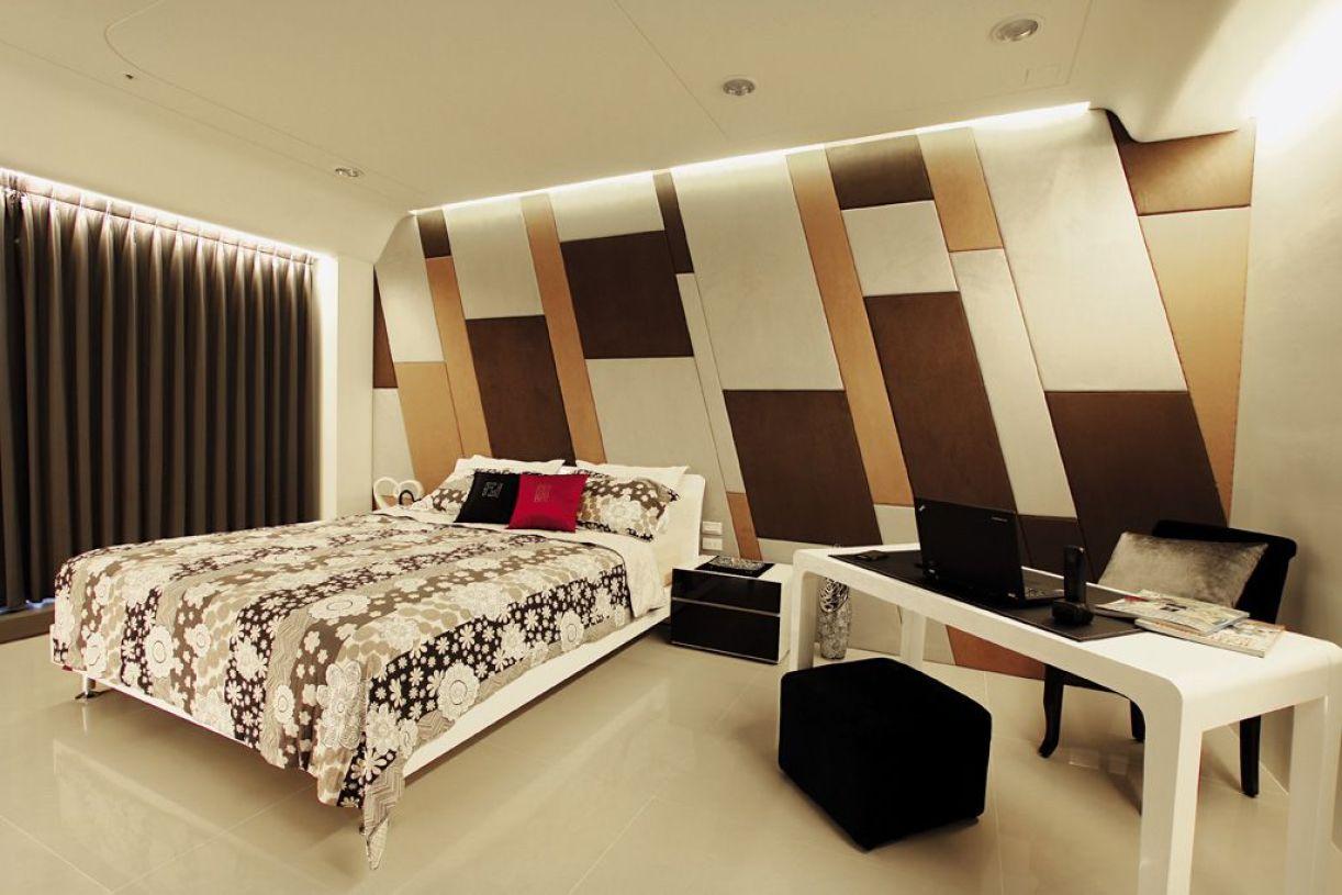 时尚现代风格黄色卧室背景墙装饰图