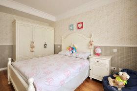 美式白色儿童房衣柜装修效果图片