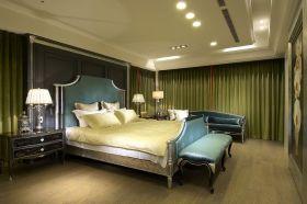 绿色东南亚风格卧室窗帘装饰图