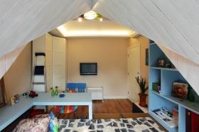 白色简约风格卧室吊顶设计欣赏