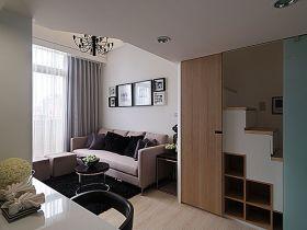 原木色简约风格客厅楼梯设计案例