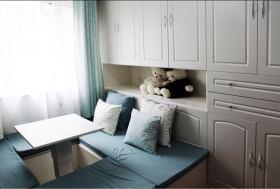 蓝色卧室榻榻米装修效果图片