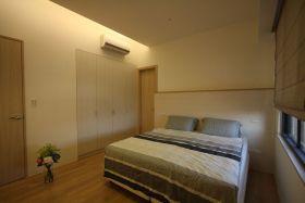 简约风格米色温馨卧室装修图