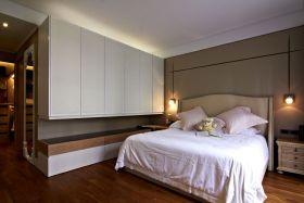 现代风格米色时尚卧室装修布置