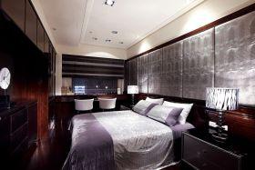 红色新古典卧室装修图片