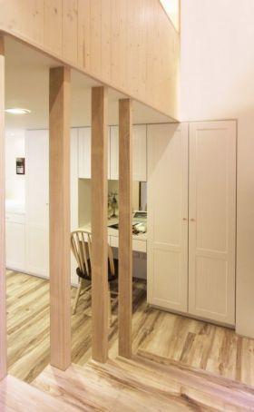 原木色现代风格楼梯装修设计