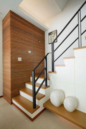 质朴休闲混搭风格楼梯装修