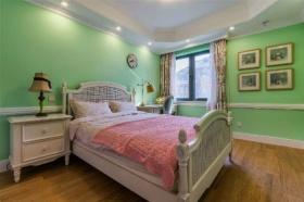 美式绿色清新卧室装修效果图片