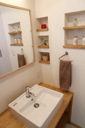 宜家风格橙色卫生间装饰图