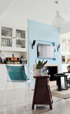 蓝色现代风格客厅背景墙设计案例