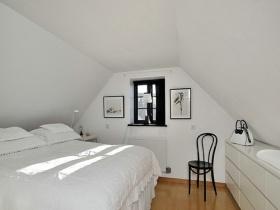 白色雅致简约风格阁楼设计案例
