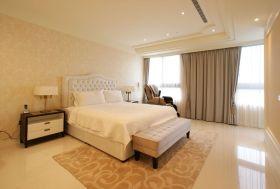混搭米色卧室装修设计