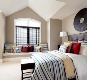 条纹淡雅时尚简约风格卧室飘窗装饰图