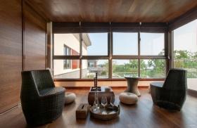 褐色东南亚风格阳台窗户装修
