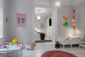 混搭白色儿童房装饰设计图片