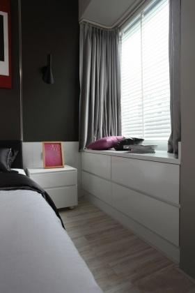 简约风格灰色雅致卧室飘窗欣赏