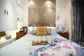 白色中式风格卧室床头软包图片欣赏