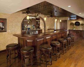 沉稳原木时尚美式风格厨房吧台设计装潢
