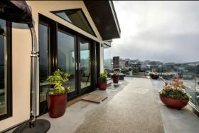 混搭风格灰色阁楼阳台装修图