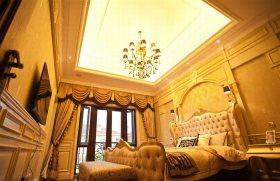 黄色华丽欧式风格卧室吊顶设计赏析