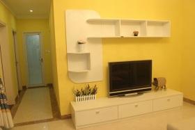 温馨黄色现代风格背景墙装修图片