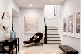 北欧米色客厅楼梯装修效果图