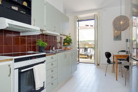 田园风格白色清爽明亮厨房橱柜装修效果图