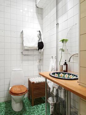 白色东南亚风格卫生间装修图片