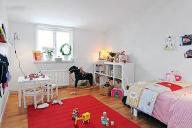 红色简约风格儿童房装修案例
