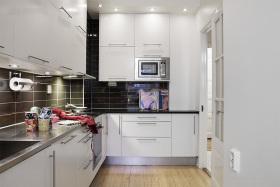 简约大气白色厨房装修效果图片