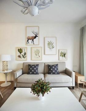 米色简约风格客厅照片墙装修图片