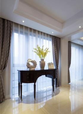 白色欧式窗帘装饰柜欣赏