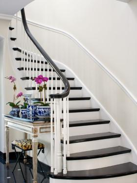 浪漫优雅清新欧式风格白色梯装潢