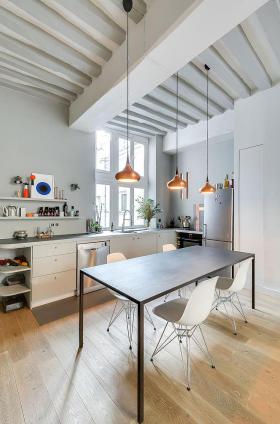 宜家白色厨房吊顶美图欣赏