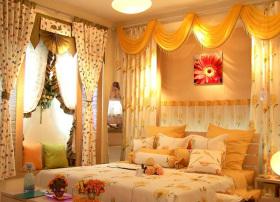 黄色温暖阳光现代风格卧室窗帘装潢装饰