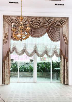 华丽宫廷古典欧式风格窗帘装潢案例