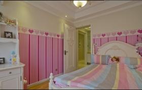 粉色创意混搭儿童房装修图
