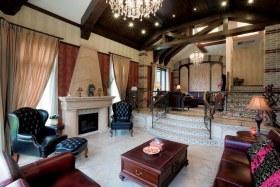 新古典褐色客厅装饰设计图片